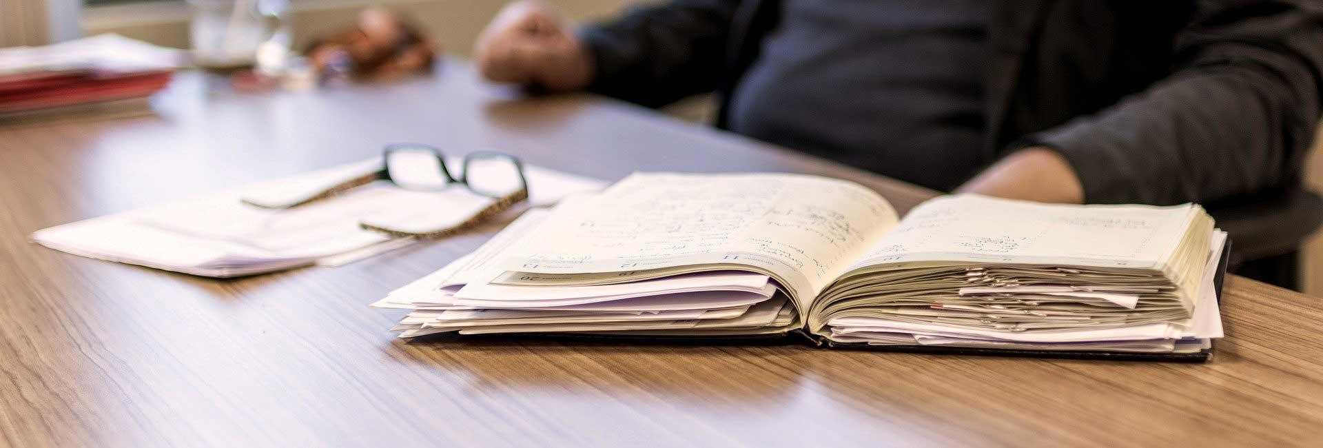 Komplexe Aufgaben unter Zeitdruck führen schnell zur Überforderung